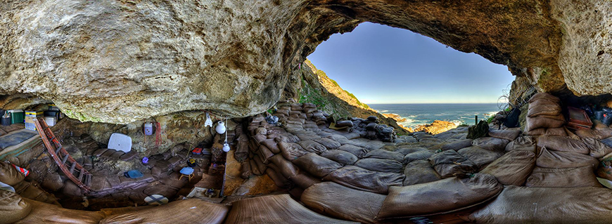 A digital rendering of the inside of the Blombos cave that can be seen in the Virtual Reality experience.