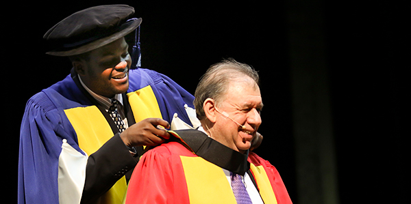 Stephen Koseff receives an honorary doctorate in commerce