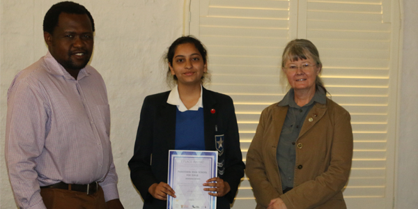 Professor Lesley Cornish (R) with the winner of the 2017 Material Science Poster Competition Ammaara Ahmed ( M) with her teacher Tebogo Maetane from Parktown Girls High School