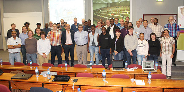 A group of students, scientists and industry who attended the ATLAS Tile Calorimeter Upgrade week