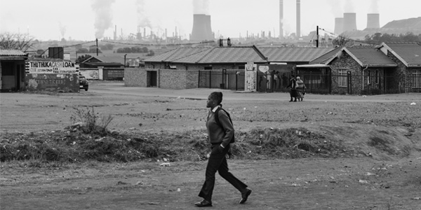 Townships and pollution © Daylin Paul | www.wits.ac.za/curiosity/