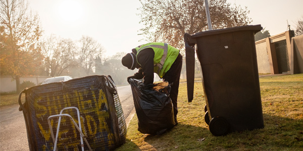 Waste pickers in Johannesburg © Daniel Born