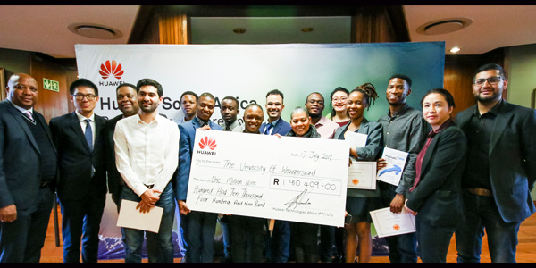 Huawei cheque hand over for Wits scholarships